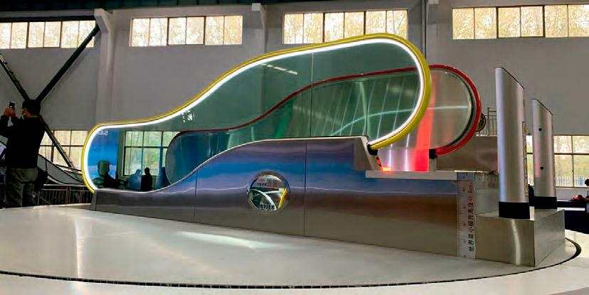 Worlds-Shortest-Escalator-A-Tiny-Star-on-the-Expo-Floor