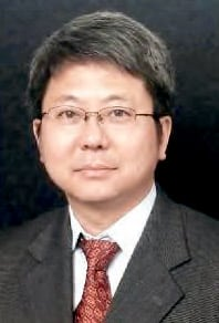 Hongliang Liang