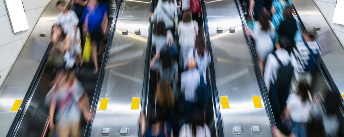 Japanese City to Forbid Walking, Running on Escalators