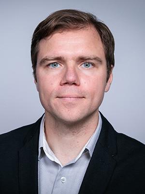 Dr. Tomasz Magiera