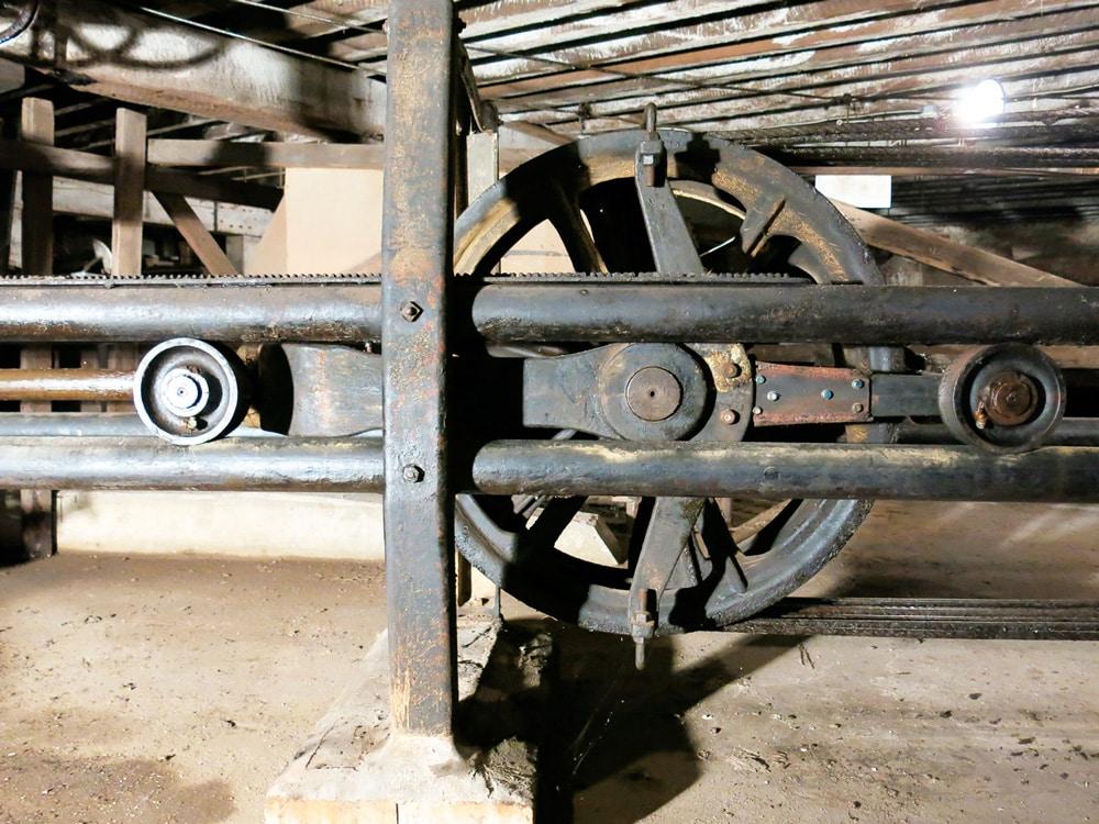 A-1902-Warner-Hydraulic-Elevator-Figure-8