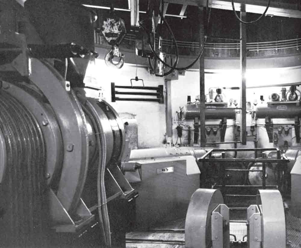 Elevatoring-Communications-Towers-1956-1968-Figure-6