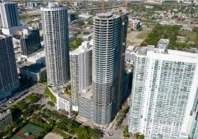 Miami-Tower-Nears-Completion-With-Strong-Sales